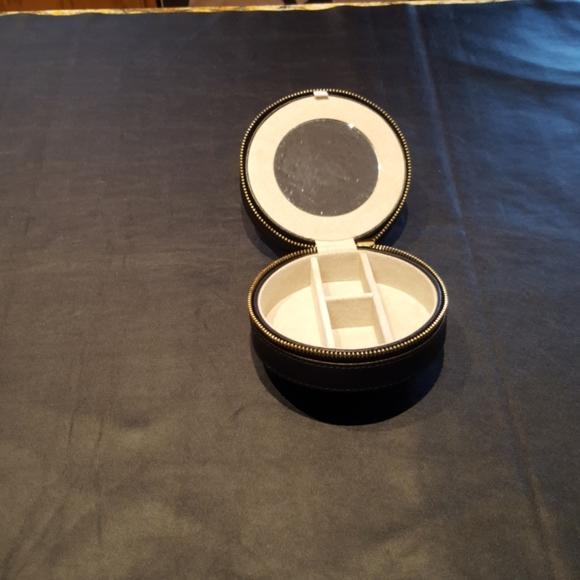 Round Travel Jewelry Box